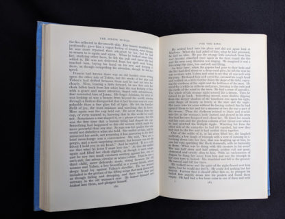 page 160 and 161 in a First Edition copy of The White Witch 1958 by Elizabeth Goudge published in London by Hodder & Stoughton