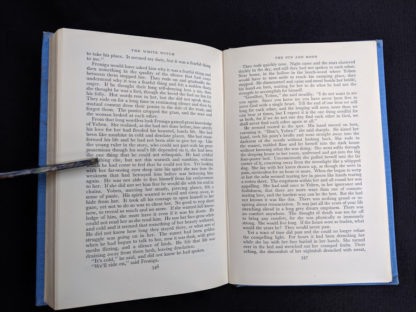 page 346 and 347 in a First Edition copy of The White Witch 1958 by Elizabeth Goudge published in London by Hodder & Stoughton