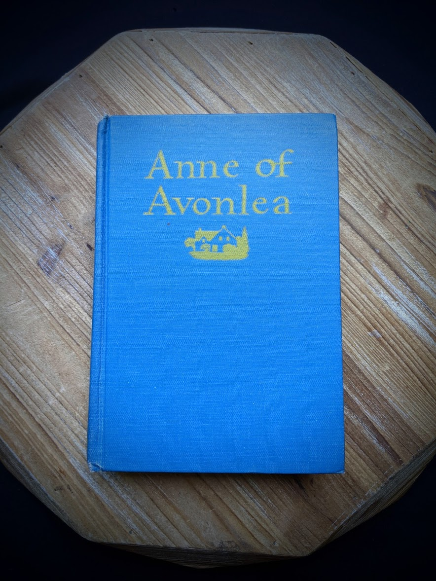 1947 Anne of Avonlea by Montgomery - front cover