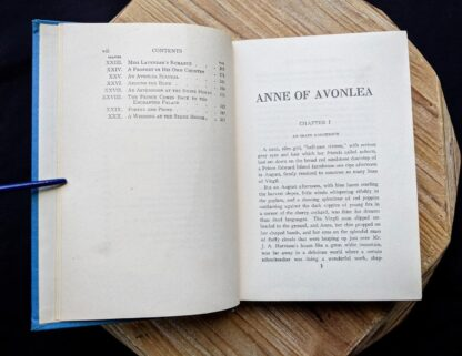 Table of Contents page 2 of 2 inside a 1947 copy of Anne of Avonlea by Montgomery